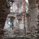 V ruinách kláštera