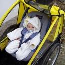 Léto skončilo, miminko je potřeba do vozíku pořádně obléknout (jako kosmonauta :-)