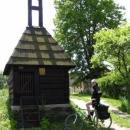 Vesnická zvonice v Borku na samém konci údolí Střely