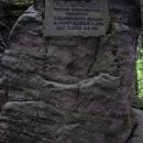 Pamětní deska V.Náprstka - průkopník turistiky Prachovských skal