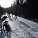Nebyl jsem tu sám cyklista, ale i tak nadvládu nad horami přebírají běžkaři