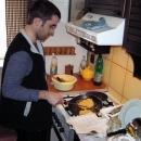 Pavel při nedělním smažení bramborových placek