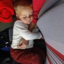 Unavená Šárka usnula cestou zpět v autobuse jako špalek