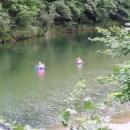 Rybáři si hoví v řece