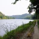 Po noclehu v Řeži pokračujeme dál po proudu Vltavy