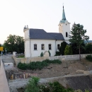 Kostelík sv. Petra a Pavla nad Berounkou v Radotíně