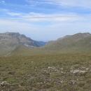 Směrem na východ - na planinách se nachází chata Ivan Vazov, další nástupní místo pro přechod Rily