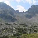 Skalnatý hřebínek Kupenite - důvod, proč se schází do doliny