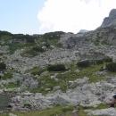 Našim cílem je Strašnoto jezero, ale jezer je tu několik, jsou opět v různých výškových úrovních.
