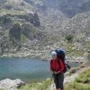 Konečně - Strašnoto jezero. Jsme 2145 metrů nad mořem, docela málo na to, jak byla cesta náročná