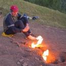 S přibývající tmou ohně vynikají - nálada se nám zlepšuje