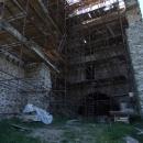 Část hradu je pod lešením
