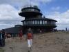 Polská chata na vrcholu vypadá jak létající talíř