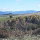 Výhledy jsou parádní - v dáli Jeseníky (Praděd a Dlouhé Stráně)