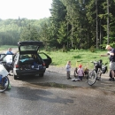 Jízda autem končí a ta na kole začíná za Brašovem na Pasulu Bratocea (1.272 m)