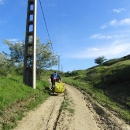Po cestě mezi pastvinami přijíždíme k druhé oblasti bahenních sopek