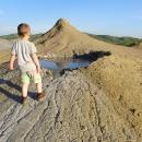 Víťa musí prozkoumat každý kráter