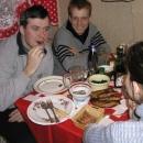Večeře - dojídáme zbytky vánočního kapra, kterého připravilaTerka