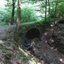 Kamenný mostek v lesích u Nahoru