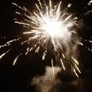 V Těchoníně se každoročně koná na Silvestra ohňostroj. Je naplánovaný na 20:00 hodin, aby si ho užily i děti.