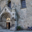 Portál klášterního kostela
