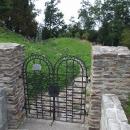 Židovský hřbitov pod valy bývalého hradu