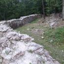 Zdi Košického hradu jsou všude kolem
