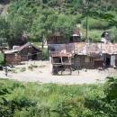 Před Drienicou je pod silnicí pravá nefalšovaná cikánská osada