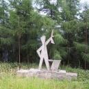 Betonový partyzán na hřebeni nedaleko Lysé