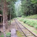 zastávka Svatý Ján na znovuobnovené úzkorozchodné lesní železnici