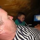 Luděk zkouší odlovit nezabezpečené wi-fi sítě přímo ze stanu