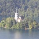 kostelík na jezeře