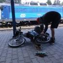 Startujeme z nádraží v Lichkově. Luděk ještě na poslední chvíli mění pakny na kotoučových brzdách.