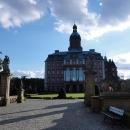 U zámku Ksiaž, z blízka jeho monumentálnost tolik nevynikne