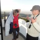 Nahoře je zima, od průvodce zapůjčená péřovka se hodí :-)