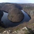 Nádherný meandr Vltavy z vyhlídky Máj