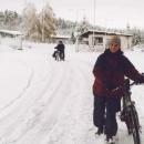 V 15ti cm sněhu se jede dost blbě. Markétě to nejde vůbec.