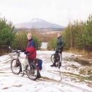Cyklostezky ve vojenském prostoru s výhledem na horu Ralsko.