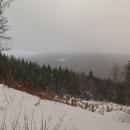 """Po """"magistrále"""" do druhého rejdu. Údolí Těchonínského potoka. Naše chalupa vzdušnou čarou 800 metrů. Buchty (povidlové a tvarohové) ale ještě asi 3 km daleko :-("""