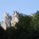Hledíme ke skalním vrcholům