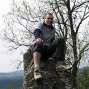 Luděk na vrcholu stožecké skály