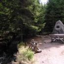 Rosenauerův pomník na začátku kanálu