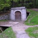 Dolní portál na Jeleních Vrších