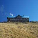 Chata Schronisko na Sněžníku ve výšce 1218 m.