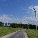 Větrníky na hřebeni nad Anenskou studánkou