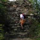 Vyhlídka je vlastně zbytkem mohutné hradní zdi