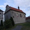 Kostel v Nových Hradech, od kterého vede křížová cesta