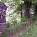 Ještě musíme křížovou cestou nahoru nad zámek, kde se nachází zbytky původního hradu