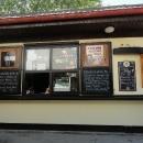 Těšili jsme se na Regenta, ale že budou mít v bufetu v Chlumu u Třeboně Holbu bychom fakt nečekali