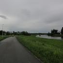 Cyklostezka vede podél Vltavy z Budějovic až na Hlubokou